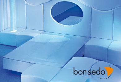beruhigende wasserbetten und musikbetten. Black Bedroom Furniture Sets. Home Design Ideas